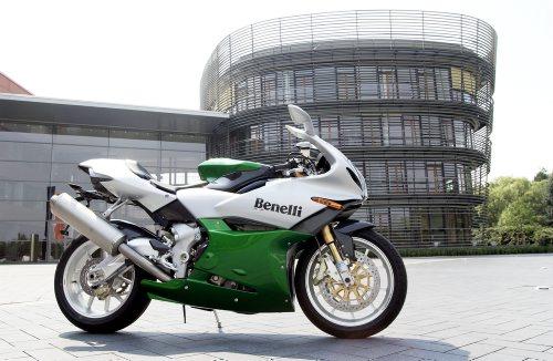 © wim woeber # fŸr Penthouse # 02.08.2003 # Benelli Novecento Tornado Tre  Motorrad for 37.000 Û